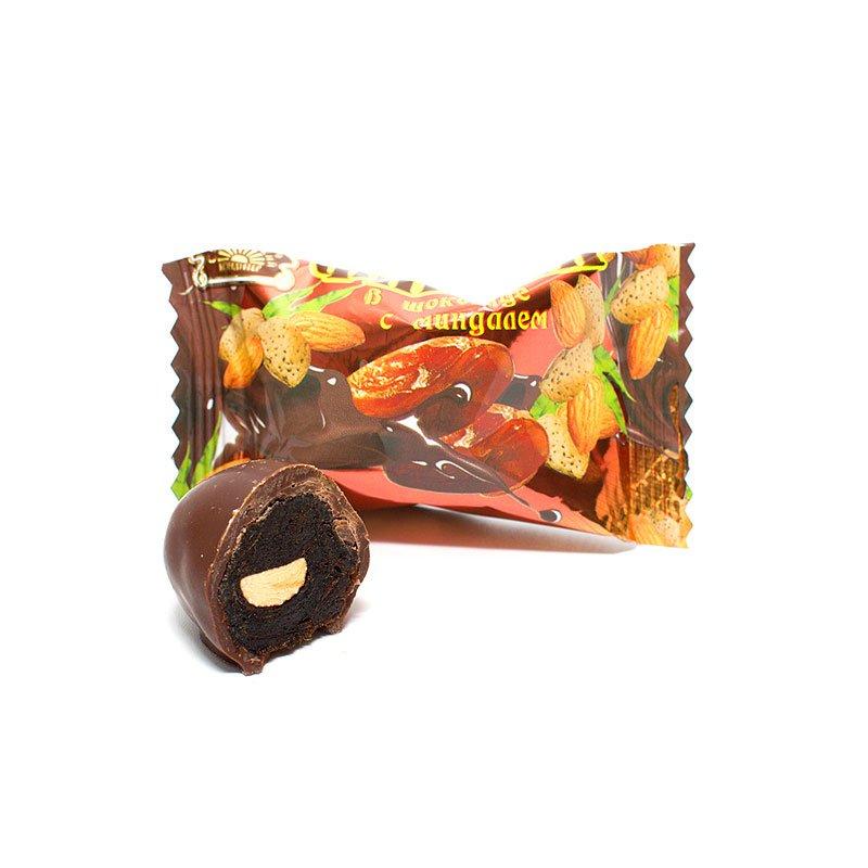 Конфеты Финики в шоколаде с миндалем