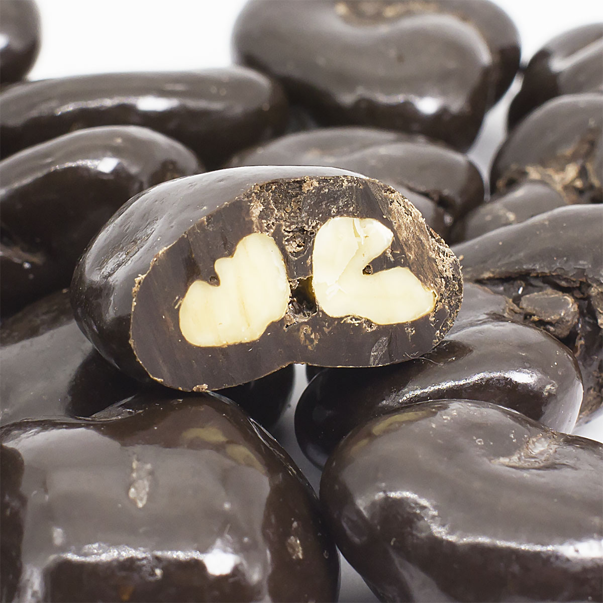 Грецкий орех в темной шоколадной глазури, 150 г